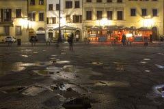 Santa Croce kwadrat przy nocą w Florencja Obraz Royalty Free