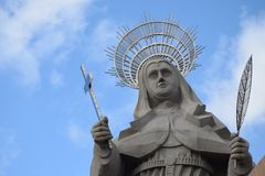 SANTA CRUZ, ΒΡΑΖΙΛΊΑ - 25 Σεπτεμβρίου 2017 - άποψη του προαυλίου του μεγαλύτερου καθολικού αγάλματος στον κόσμο, το άγαλμα Αγίου  Στοκ φωτογραφία με δικαίωμα ελεύθερης χρήσης