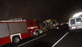 SANTA CRUZ, ΙΣΠΑΝΊΑ - 17 ΙΟΥΛΊΟΥ: Σοβαρό τροχαίο ατύχημα στην εθνική οδό Στοκ Φωτογραφίες