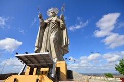 SANTA CRUZ, БРАЗИЛИЯ - 25-ое сентября 2017 - взгляд двора самой большой католической статуи в мире, статуя Святого r Стоковые Фотографии RF