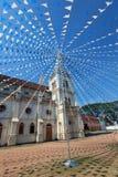 Santa Cruz Basilica in Cochin, verziert für Weihnachtsflaggen lizenzfreies stockfoto