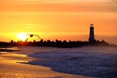 Santa Cruz Breakwater Light Walton Lighthouse no nascer do sol foto de stock