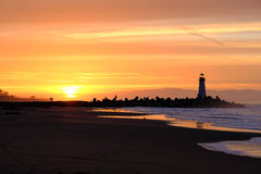 Santa Cruz Breakwater Light Walton Lighthouse no nascer do sol fotos de stock