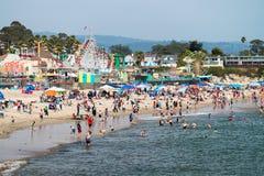 SANTA CRUZ CA - AUGUSTI 4, 2017: Nöjesfält på stranden Th Royaltyfria Foton
