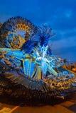 Santa Cruz de Тенерифе, Испания, Канарские острова 13-ое февраля 2018: Танцоры масленицы на параде на Carnaval Santa Cruz de Тене стоковая фотография