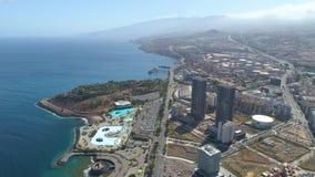 Santa Cruz De Tenerife, Spanje - Mei, 18, het Satellietbeeld van 2018 van een haven stock footage