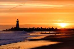 Santa Cruz falochronu światło & x28; Walton Lighthouse& x29; przy wschodem słońca zdjęcie royalty free