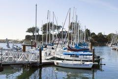 SANTA CRUZ, KALIFORNIEN, USA 8. NOVEMBER 2014: Segelboothafen I Stockfotografie