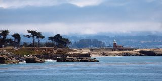 Santa Cruz Lighthouse och Santa Cruz Harbor royaltyfria foton