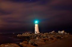 Santa Cruz Lighthouse op een Vrijdag Nacht royalty-vrije stock afbeelding