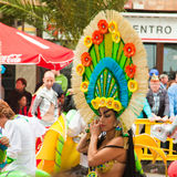 SANTA CRUZ, SPAIN - 12 de fevereiro: os participantes preparam-se e assemb Foto de Stock Royalty Free