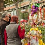 SANTA CRUZ SPANIEN - Februari 12: deltagare förbereder sig och assemb Royaltyfri Fotografi