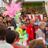 SANTA CRUZ SPANIEN - Februari 12: Ståta deltagare i färgrikt Royaltyfri Bild