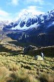 Santa Cruz Trek Camping - Huascaran nationalpark, Peru Royaltyfri Fotografi