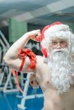 Santa dans un gymnase Images libres de droits