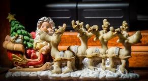 Santa e os cervos foto de stock