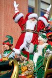 Santa et Mme heureuses Claus Photographie stock libre de droits