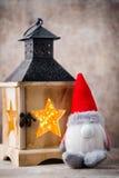 Santa för julgnomund hatt Den Seamless modellen kan användas för wallpaperen, modellpåfyllningar, rengöringsduksidabakgrund, surf Royaltyfri Fotografi