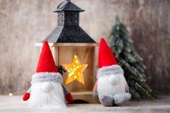 Santa för julgnomund hatt Den Seamless modellen kan användas för wallpaperen, modellpåfyllningar, rengöringsduksidabakgrund, surf Fotografering för Bildbyråer
