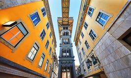 Santa Justa elevator i Lissabon berömd landmark royaltyfria bilder