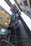 Santa Justa Lift i centrala Lissabon, Portugal Royaltyfri Fotografi