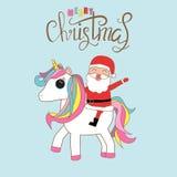 Santa klauzula jeździecka jednorożec z wesoło bożymi narodzeniami wita messag ilustracja wektor