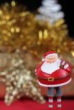 Santa klauzula przynosi prezent karty vertical wariant Zdjęcie Stock