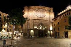 Santa María del Pi en la noche. Barcelona Imagen de archivo libre de regalías