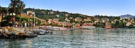 SANTA MARGHERITA LIGURE, ITALIEN - 27. August 2016: Panoramablick von, Promenade glättend Stockbild