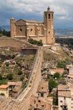 Santa Maria Church y paredes de Balaguer imágenes de archivo libres de regalías