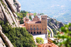 Santa Maria de Montserrat Abbey i berg catalonia Royaltyfri Fotografi