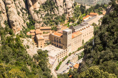 Santa Maria de Montserrat Abbey i Monistrol de Montserrat Royaltyfria Foton