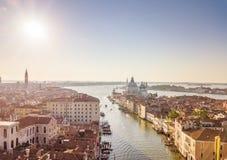 Santa Maria della Salute Basilica no horizonte Foto aérea de Veneza Imagens de Stock Royalty Free