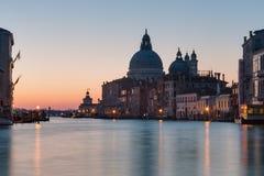 Santa Maria della Salute på soluppgång i Venedig royaltyfri foto
