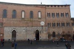 Santa Maria della Scala na piazza Del Duomo italy Siena Tuscany obrazy stock