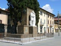 Santa Maria delleCarceri fyrkant i Prato Arkivfoton