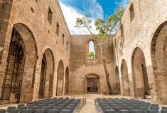 Santa Maria delloSpasimo lokaliseras den oavslutade kyrkan, i det Kalsa området, en av de äldsta delarna av Palermo, Italien Arkivfoton