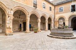 Santa Maria delloSpasimo lokaliseras den oavslutade kyrkan, i det Kalsa området, en av de äldsta delarna av Palermo, Italien Royaltyfri Fotografi