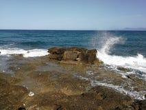Santa Maria di Castellabate - Scoglio хлестало волнами Стоковые Фотографии RF
