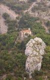 Santa Maria en la iglesia de Siaris en Val Rosandra, Italia Foto de archivo libre de regalías