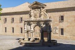 Santa Maria Fountain i Baeza, Jaen, Spanien Arkivbild