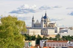 Santa Maria la Real de La Almudena domkyrka Fotografering för Bildbyråer