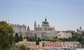 Santa Maria la Real de La Almudena i Madrid spain Arkivbilder
