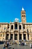 Туристы и верное посещение базилика Santa Maria Maggiore в Риме Стоковое Изображение