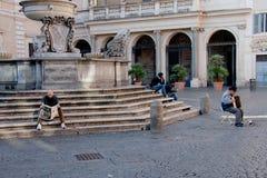Santa Maria no quadrado de Trastevere em Roma. Imagem de Stock