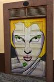 Santa Maria-Straße, gemalte Tür in der alten Stadt von Funchal, MA Stockbild