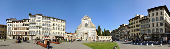 Santa- Marianovellekirche und -quadrat in Florenz, Stockfoto