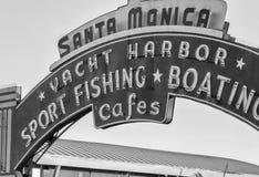 SANTA MONICA - AUGUSTI 20, 2014: Santa Monica Yacht Harbor Sport Fis Arkivbilder