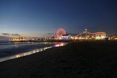 Santa Monica Beach en Pier Night Stock Afbeeldingen