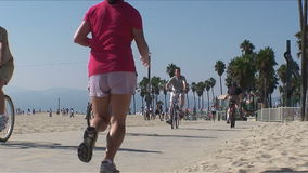 Santa Monica Beach People - Timelapse video d archivio